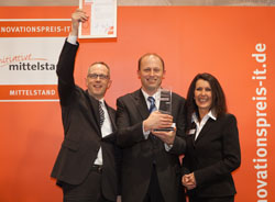 The award was accepted by Harald Kintzel, Technical Director Assmann Electronic GmbH